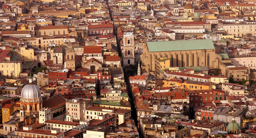 Spaccanapoli centro storico di napoli